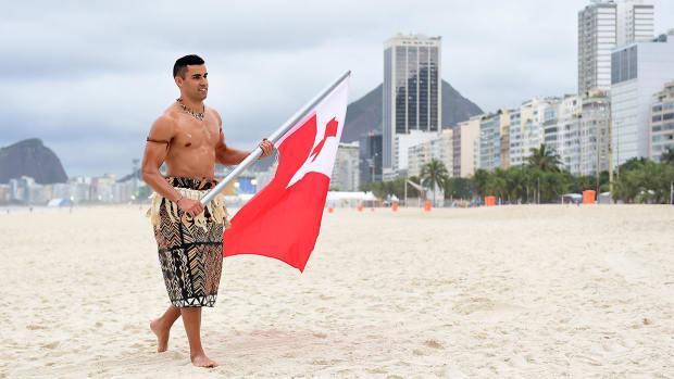 rio-olympics-pita-taufatofua-taekwondo-tonga-flag-bearer.jpg