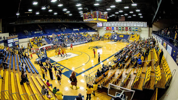 kent-state-basketball-national-anthem.jpg