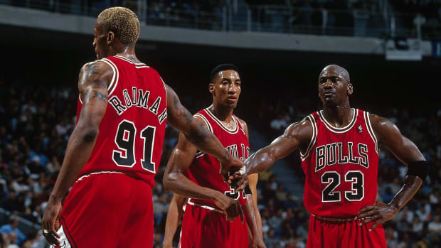 1996-0223-Dennis-Rodman-Scottie-Pippen-Michael-Jordan-079087508.jpg