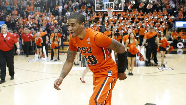 Glove Story II: How an ultimatum from his Hall of Fame father helped make Gary Payton II a star