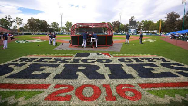mexico-city-baseball.jpg