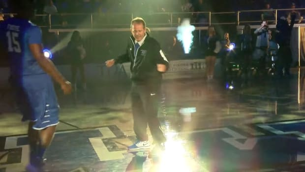 Look: Middle Tennessee State coach Kermit Davis is an incredible dancer