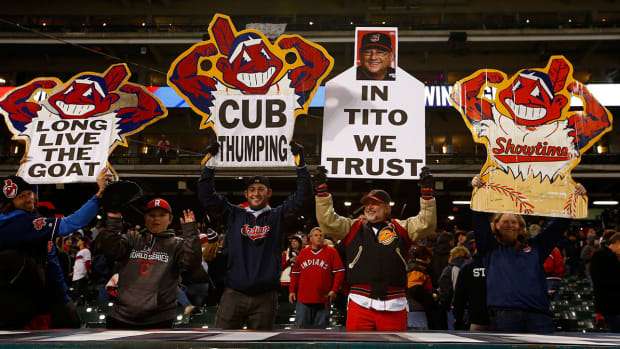 indians-chief-wahoo-fans.jpg