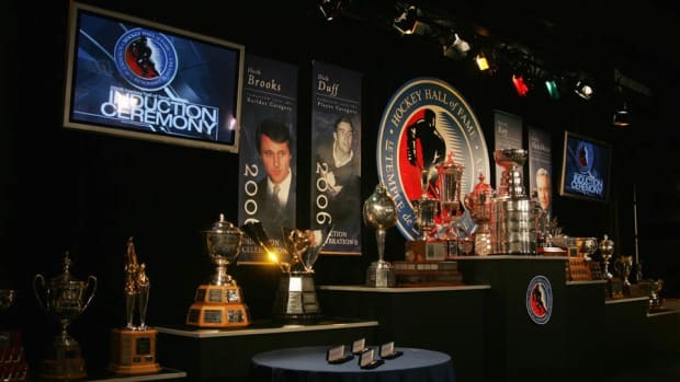Hockey-Hall-of-Fame-Bennett.jpg