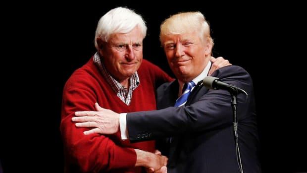 Donald-trump-bobby-knight-misspelling.jpg