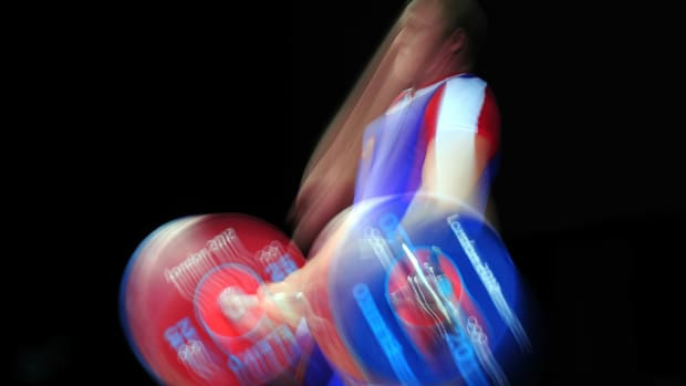 russia-weightlifters-banned-doping.jpg