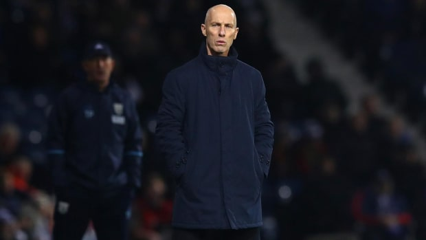 Swansea City fires Bob Bradley after two months IMAGE