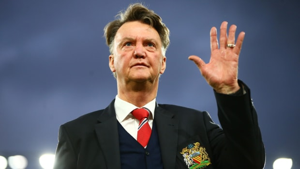louis-van-gaal-sacked-manchester-united.jpg