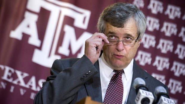 texas-am-eric-hyman-resigns.jpg