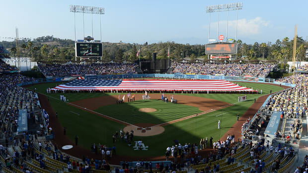 dodgers-vin-scully-star-spangled-banner-story-video.jpg