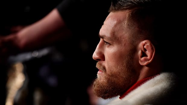 conor-mcgregor-stare-down-ufc-205.jpg