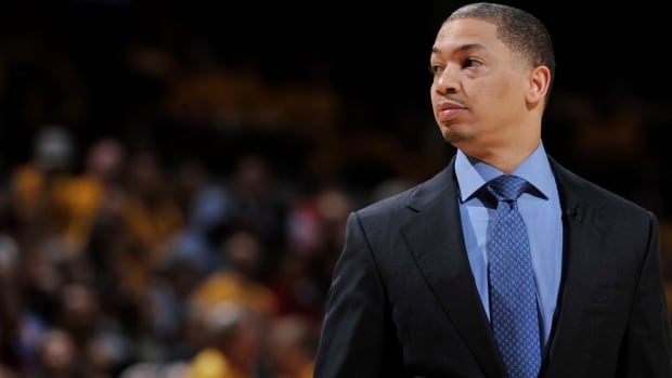 Cavs head coach Tyronn Lue signs five-year, $35M extension - IMAGE