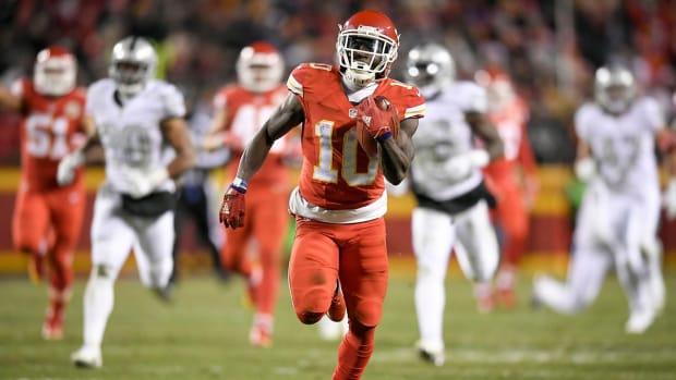 Chiefs make statement in 21-13 win over Raiders - IMAGE