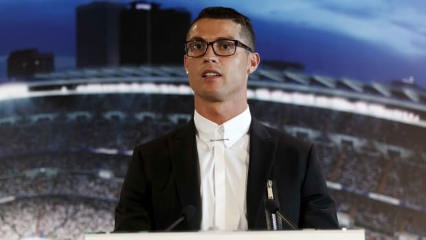 cristiano-ronaldo-highest-paid-athlete.jpg