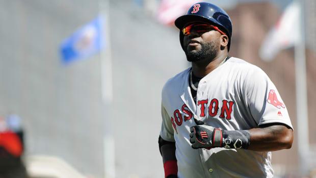 boston-red-sox-david-ortiz-steals-second-base.jpg