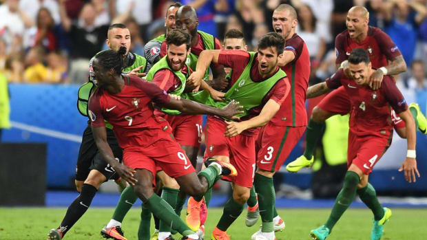 Portugal beats France 1-0 in extra time to win Euro 2016 title - IMAGE
