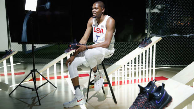 kevin-durant-usa-basketball-gear.jpg