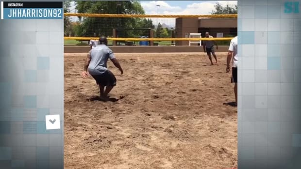 James Harrison, Steelers play medicine ball volleyball again - IMAGE