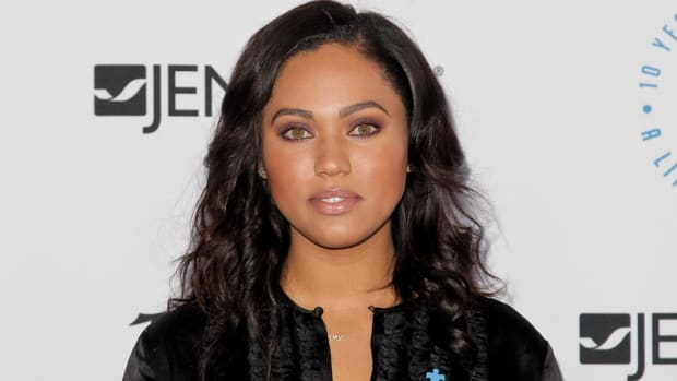 Ayesha Curry mocks LeBron's 'high road' comment - IMAGE