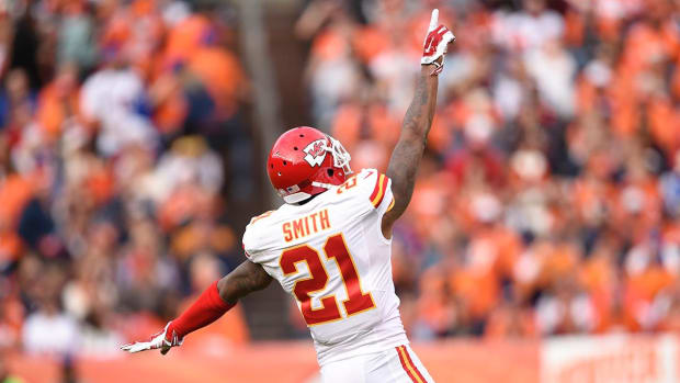 Oakland Raiders sign CB Sean Smith to four-year deal - IMAGE