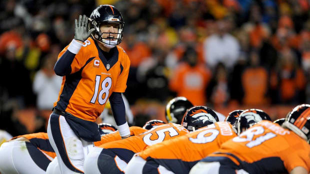 Manning looks to reverse luck against Brady and Patriots IMAGE