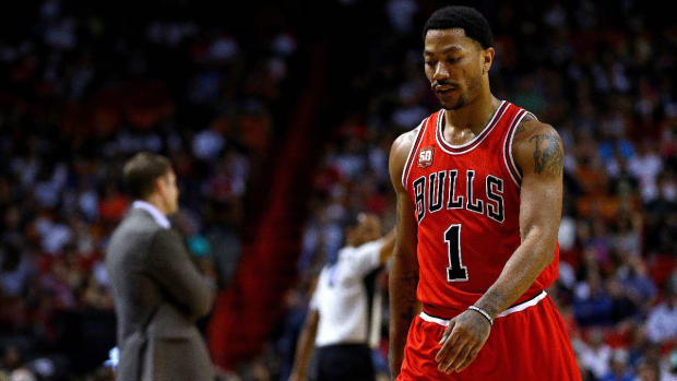 Report: Knicks discussed trading for Derrick Rose -- IMAGE