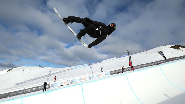 ipod-snowboarding-halfpipe-x-games-960.jpg