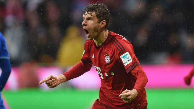 thomas-muller-bicycle-kick-goal-bayern.jpg