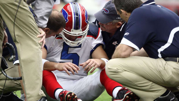 nfl-concussion-repeated-head-hits-study.jpg