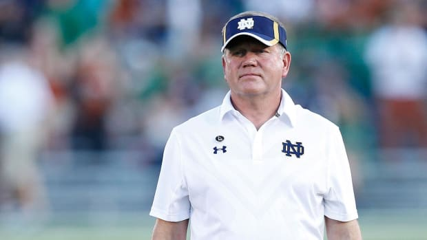 Notre Dame announces contract extension for Brian Kelly -- IMAGE