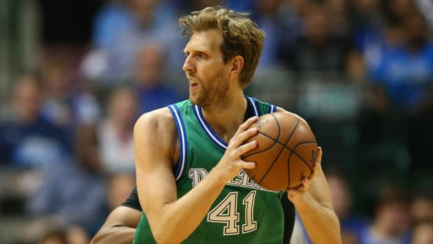 Report: Dirk Nowitzki agrees to two-year, $40 million deal with Mavericks IMAGE