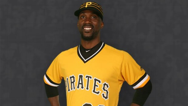 Pirates to wear 1979 throwback uniforms for Sunday games--IMAGE