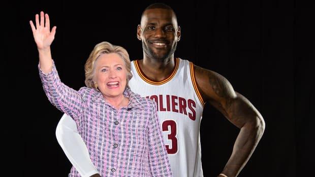 LeBron James endorses Hillary Clinton for president -- IMAGE
