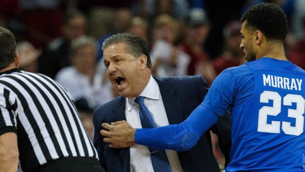 Kentucky's John Calipari ejected from game in under 3 minutes -- IMAGE