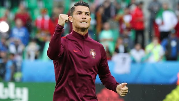 Cristiano Ronaldo blasts Iceland after draw--IMAGE