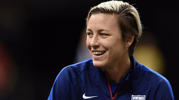 abby-wambach-hillary-clinton-2016-new-hampshire.jpg