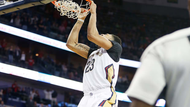 new-orleans-hornets-anthony-davis-alley-oop-video.jpg
