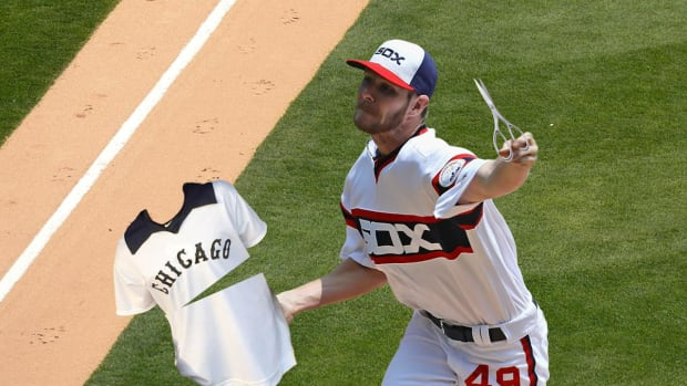 White Sox P Chris Sale apologizes for jersey incident - IMAGE