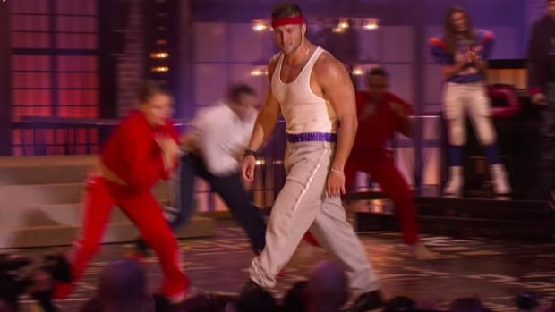 tim-tebow-lip-sync-battle-video.png