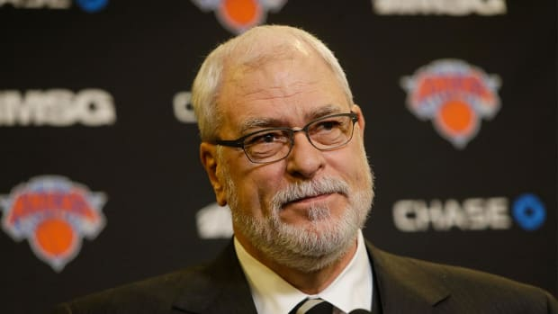 Report: Phil Jackson could coach Knicks home games in 2016-17 - IMAGE