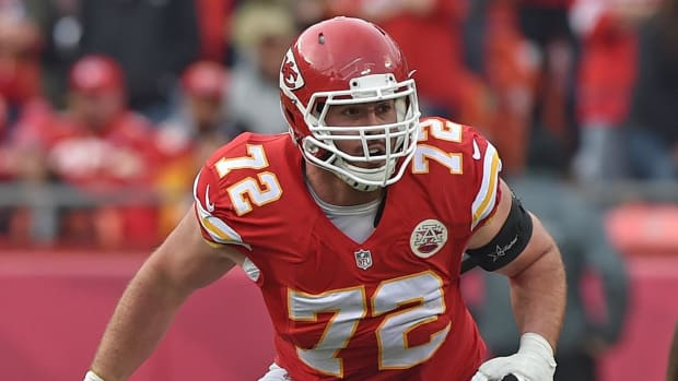 Eric Fisher agrees to 4-year, $48M extension with Chiefs --IMAGE