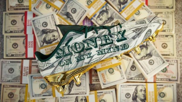 Snoop-dogg-money-cleat-lead.jpg