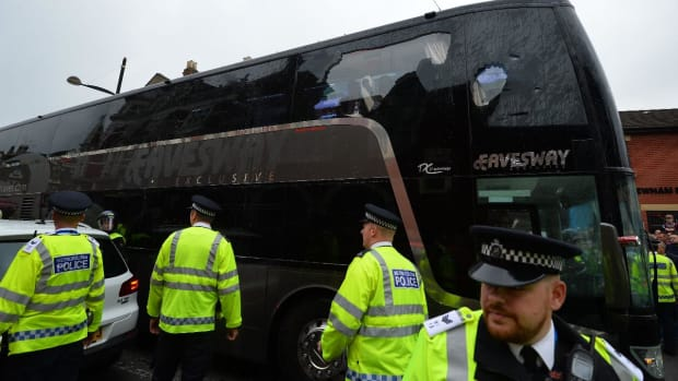 Manchester United team bus attacked enroute to match -- IMAGE