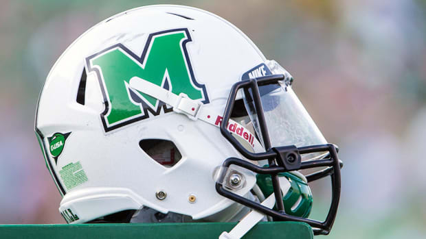 pepe-pearson-marshall-running-backs-coach-youngstown-state.jpg
