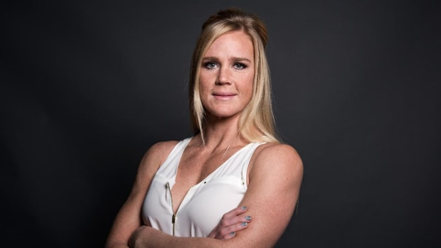 Holly Holm reacts to Ronda Rousey's suicidal thoughts - IMAGE