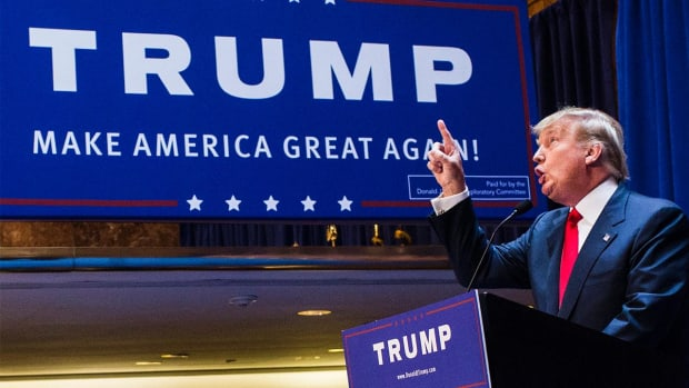 Donald Trump advises Cubs owners not to spend against him IMAGE