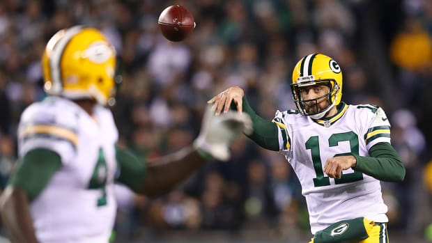 monday-night-football-packers-eagles-aaron-rodgers.jpg