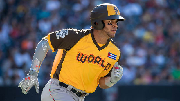 red-sox-call-up-yoan-moncada-prospect.jpg