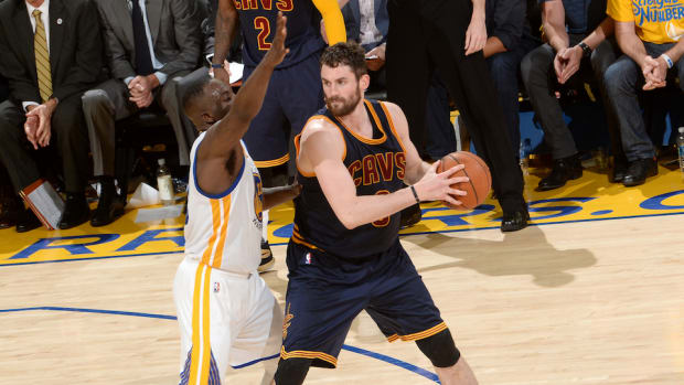 kevin-love-out-finals-concussion-cavaliers-warriors.jpg