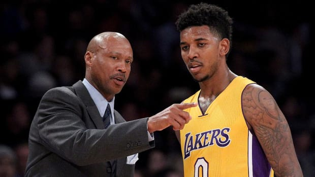 Lakers' Byron Scott on Nick Young: 'He's not here with us, mentally' - IMAGE